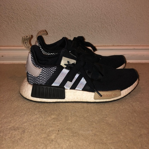 shop best sellers factory authentic arrives Adidas women's nmd r1 ice purple/black/tan